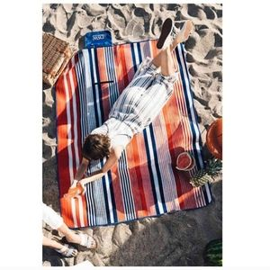 NWT DSW Picnic / Throw / Yoga Mat / Blanket